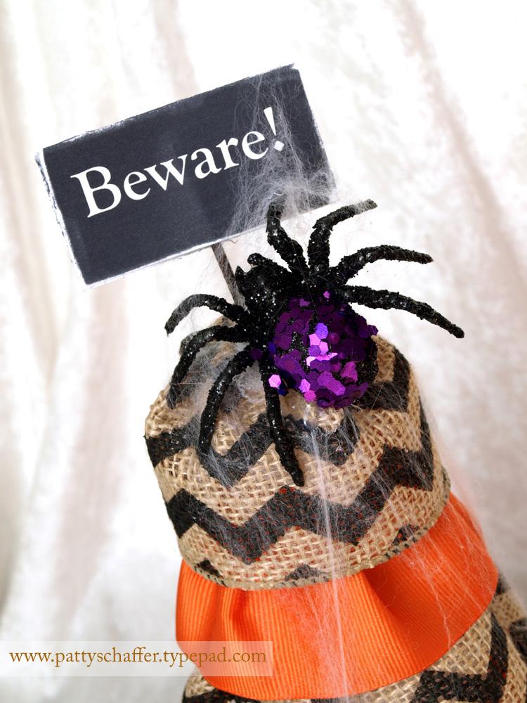 Halloween burlap topiaries detail