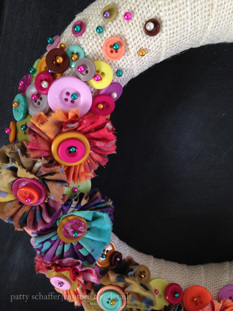 Button wreath detail 3