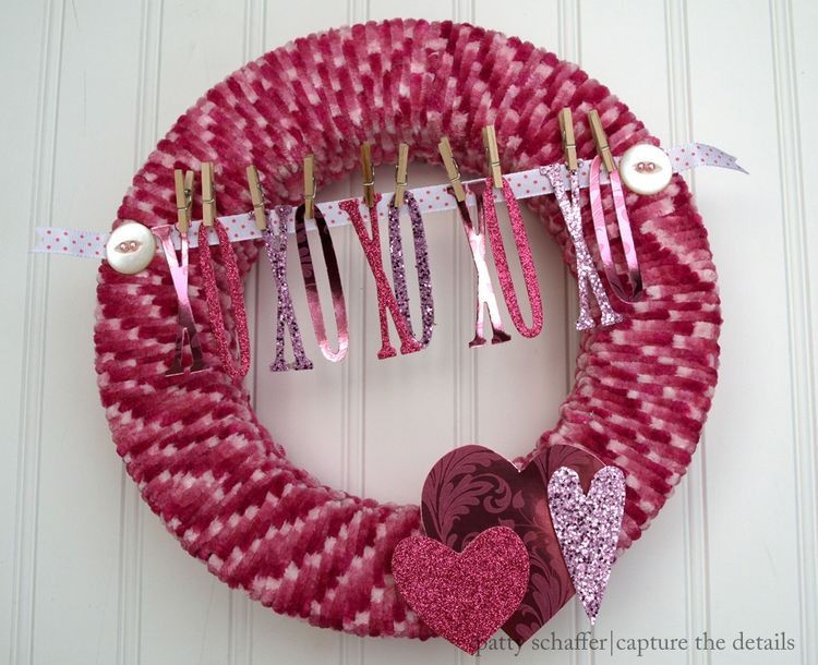 Valentines day xo yarn wreath