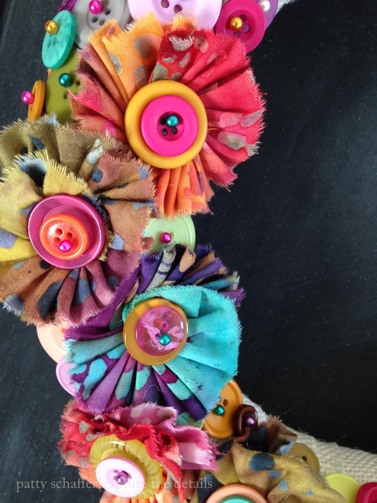 Button wreath detail 2