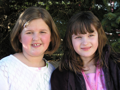 Emmy_and_sarah
